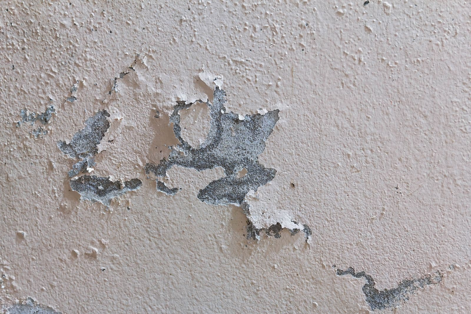 signs home needs stucco repair job - Exterior Inspection
